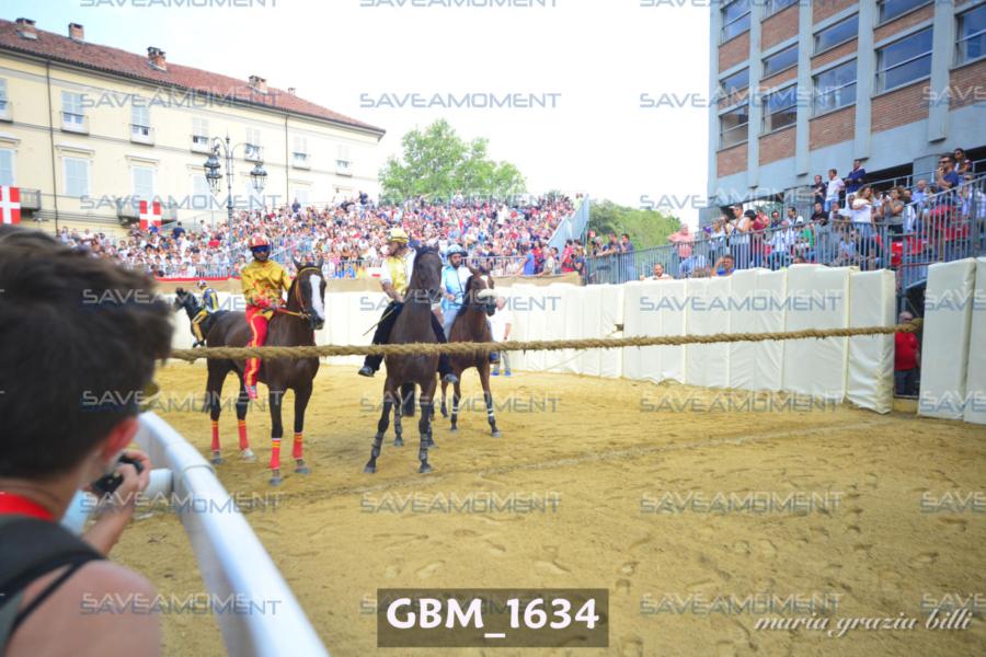Prove dei cavalli di sabato – Gallery 1 – Palio di Asti 2019